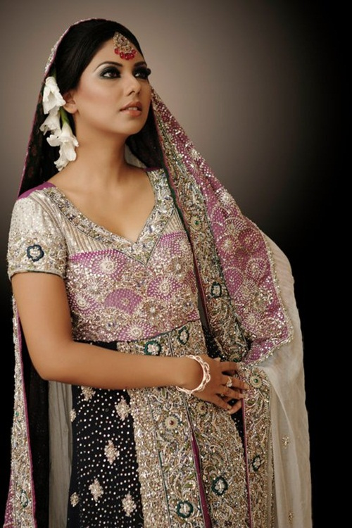 sunita-marshal-in-pakistani-bridal-dress- (12)