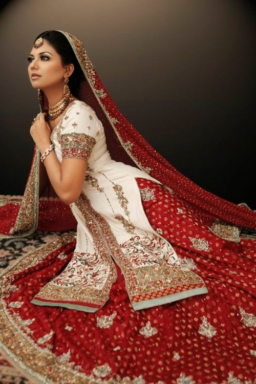 sunita-marshal-in-pakistani-bridal-dress- (3)
