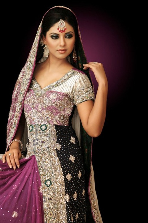 sunita-marshal-in-pakistani-bridal-dress- (4)