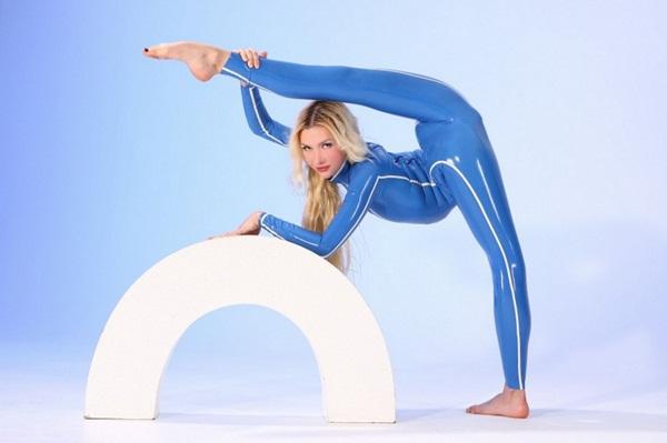 flexible-girl-zlata- (15)