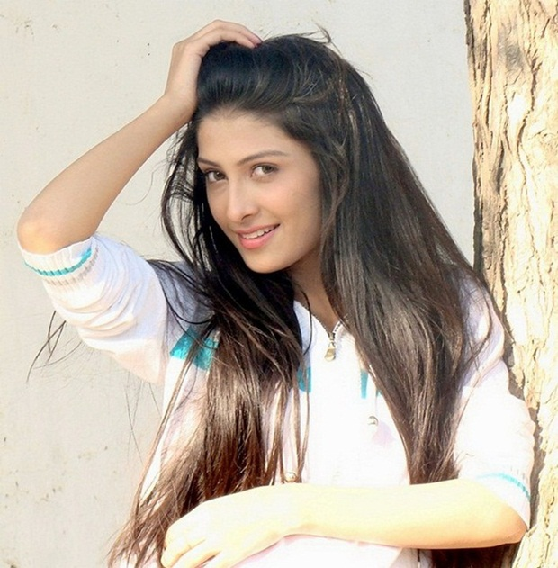 aiza-khan-photos- (12)