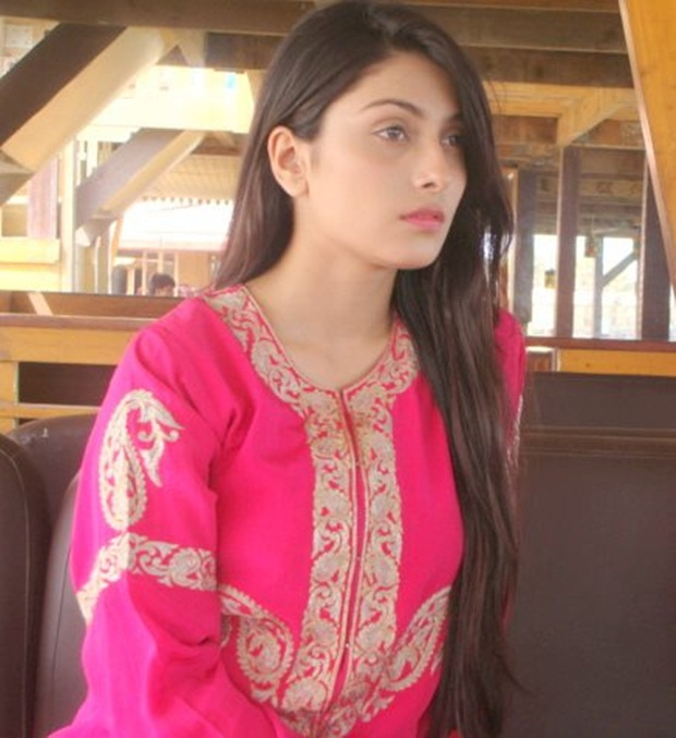 aiza-khan-photos- (37)