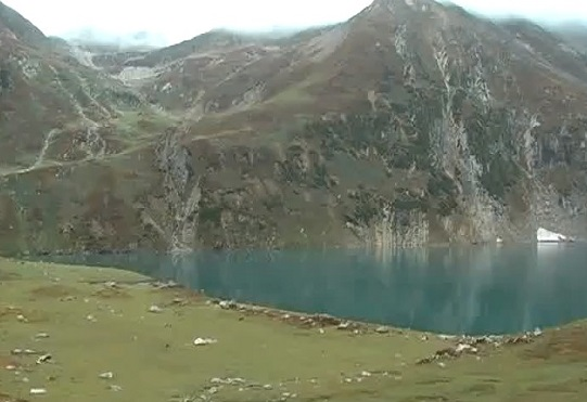 ratti-gali-lake-video-