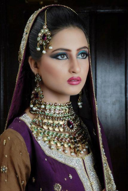 sajal-ali-in-bridal-makeup- (2)