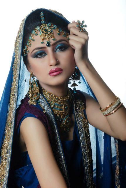 sajal-ali-in-bridal-makeup- (3)