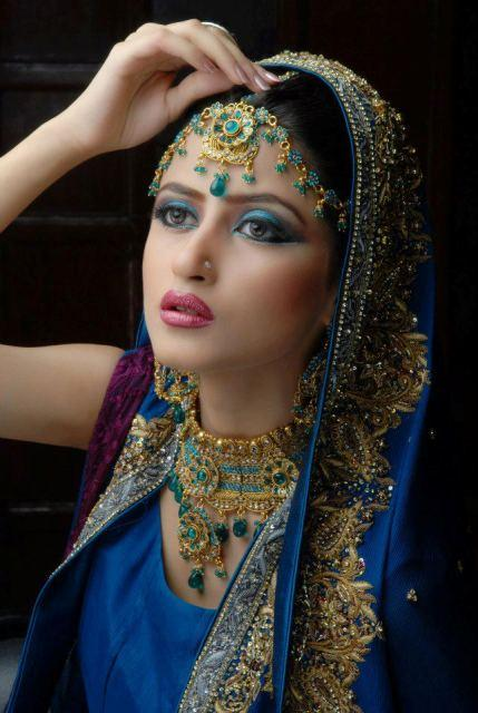 sajal-ali-in-bridal-makeup- (4)
