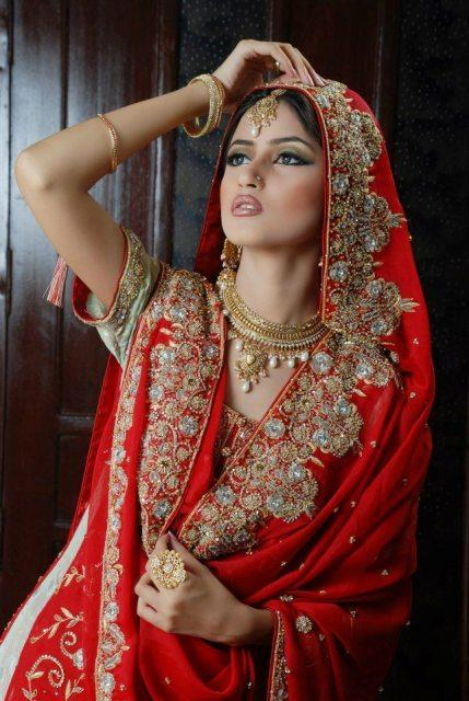 sajal-ali-in-bridal-makeup- (6)