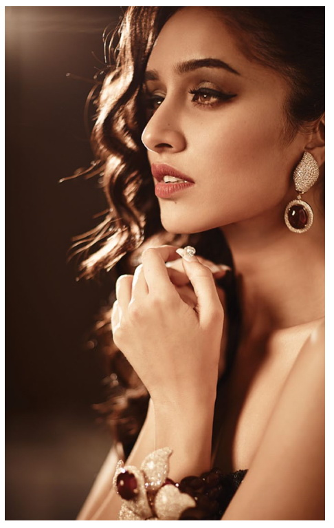 shraddha-kapoor-photoshoot-for-hi-blitz-magazine-august-2014- (8)