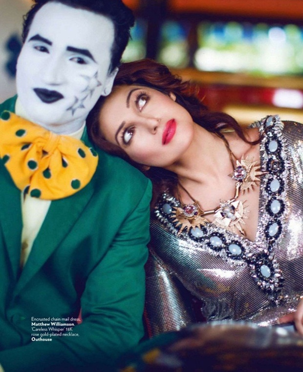 twinkle-khanna-photoshoot-for-vogue-magazine-august-2014- (4)