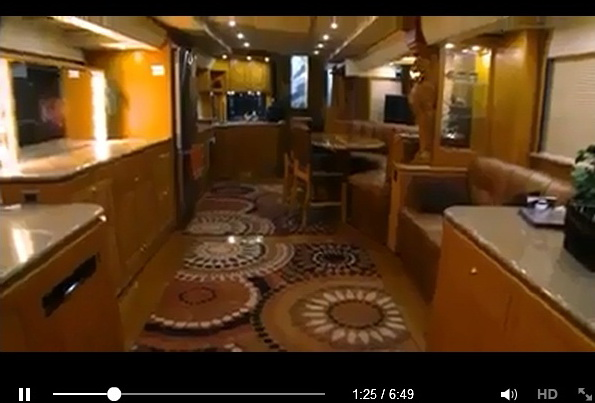 home-in-bus-video-