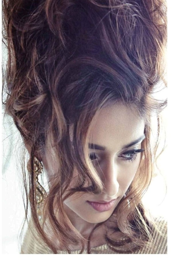 ileana-dcruz-photoshoot-for-l-officiel-magazine-august-2014- (2)