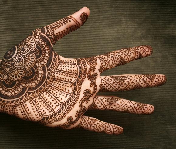 latest-mehndi-designs-for-eid-ul-adha-2014- (3)