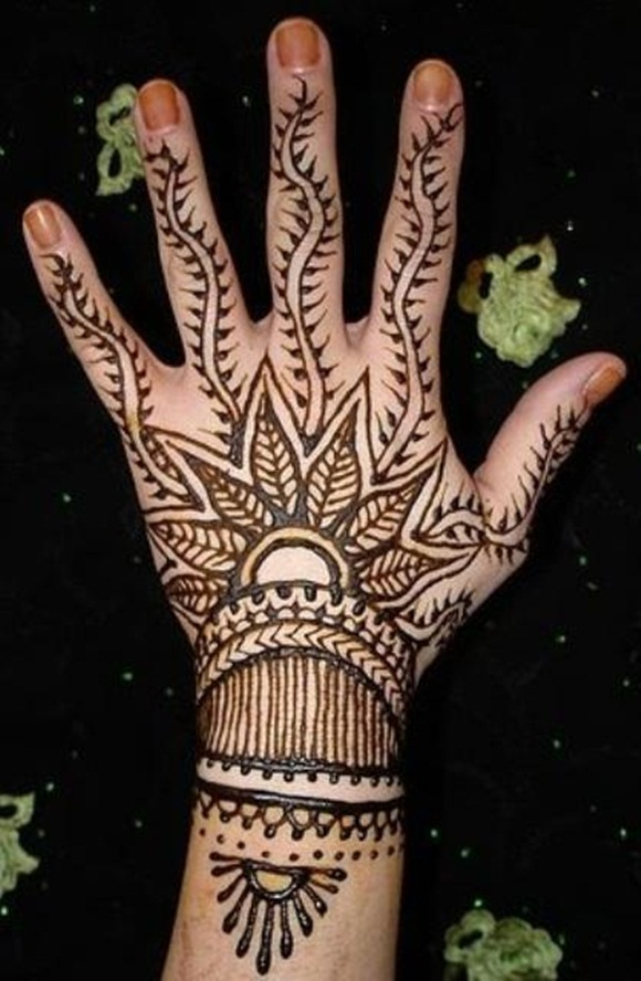 latest-mehndi-designs-for-eid-ul-adha-2014- (7)