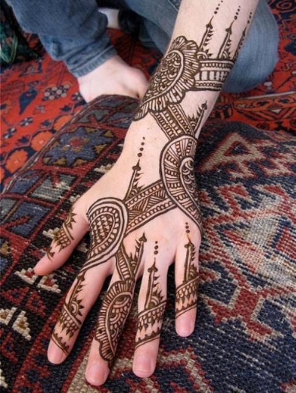 latest-mehndi-designs-for-eid-ul-adha-2014- (9)
