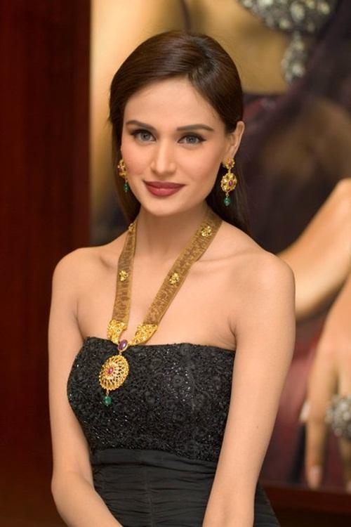 pakistani-designer-jewelry- (1)