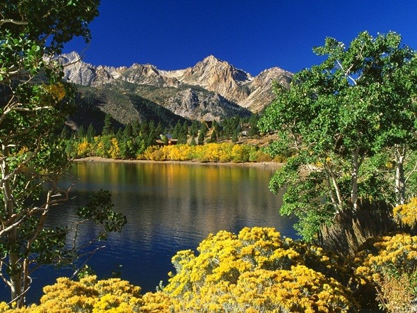 Beautiful Lake (19 Photos)