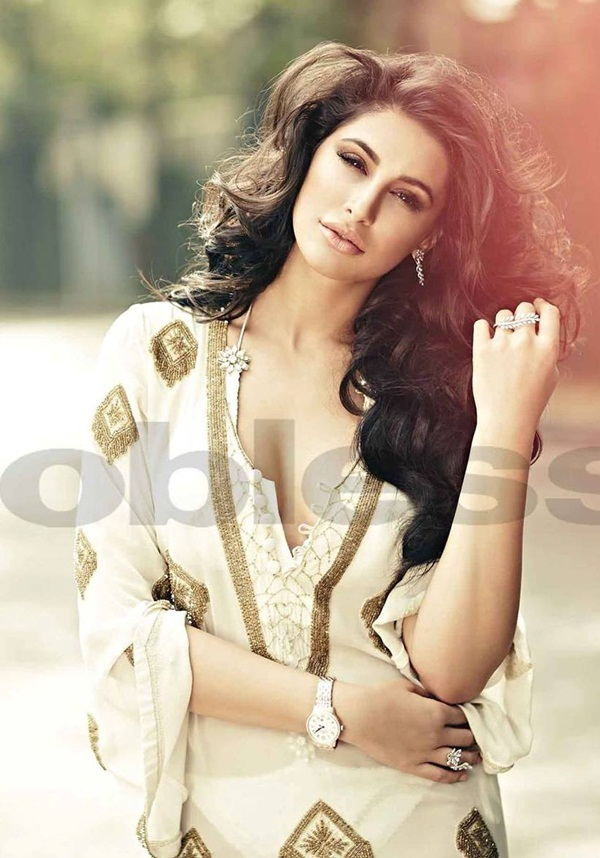 nargis-fakhri-photoshoot-for-noblesse-january-2015- (8)