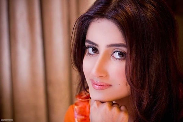 sajal-ali-photos- (1)