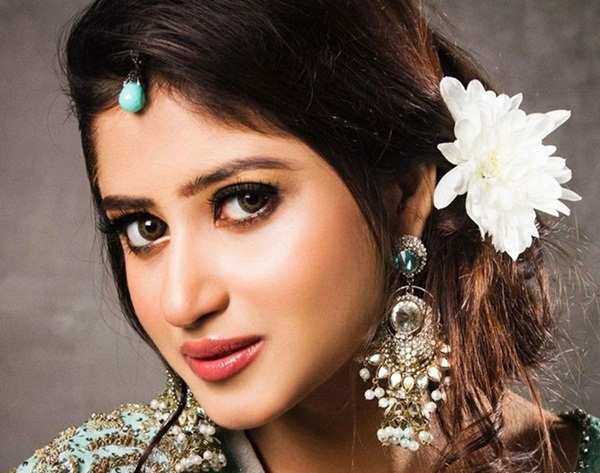 sajal-ali-photos- (2)