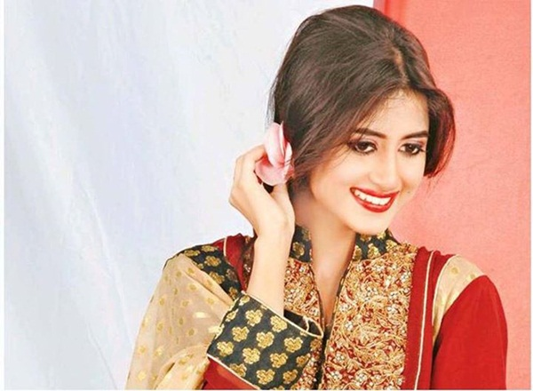sajal-ali-photos- (37)