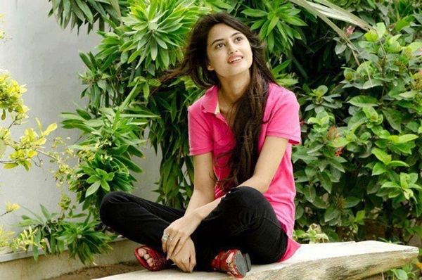sajal-ali-photos- (38)