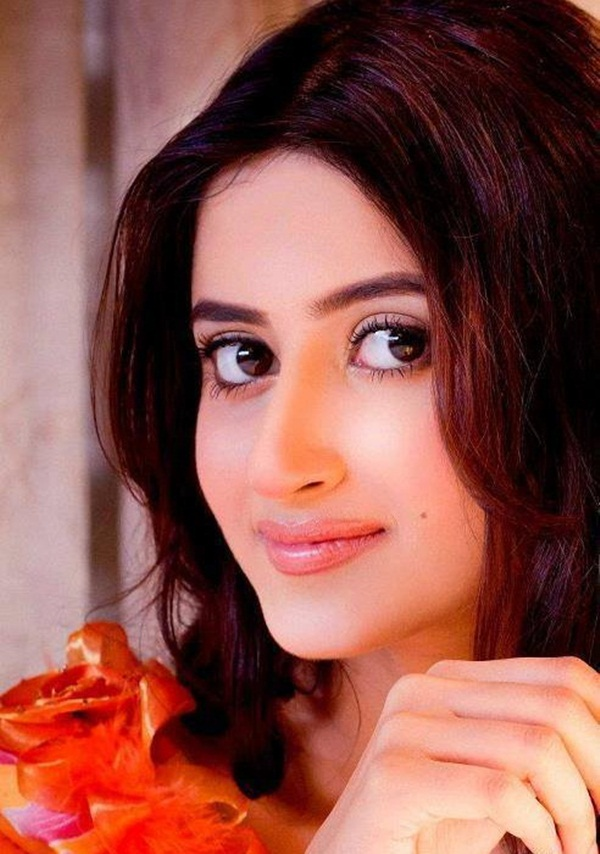 sajal-ali-photos- (42)
