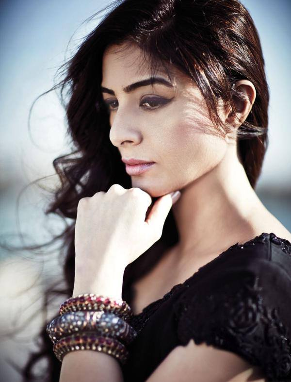 tabu-photoshoot-for-hi-blitz-magazine-march-2015- (10)