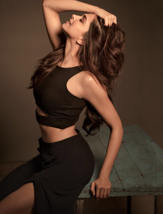 deepika-padukone-photoshoot-for-filmfare-magazine-may-2015- (4)