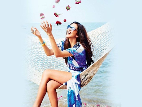 deepika-padukone-photoshoot-for-vogue-eyewear-2015- (10)