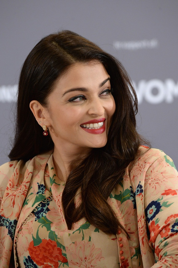aishwarya-rai-at-cannes-un-women-panel-2015- (12)
