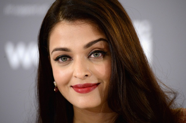 aishwarya-rai-at-cannes-un-women-panel-2015- (14)