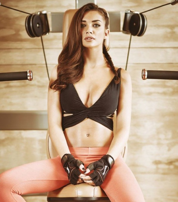 amy-jackson-photoshoot-for-fhm-magazine-october-2015- (11)