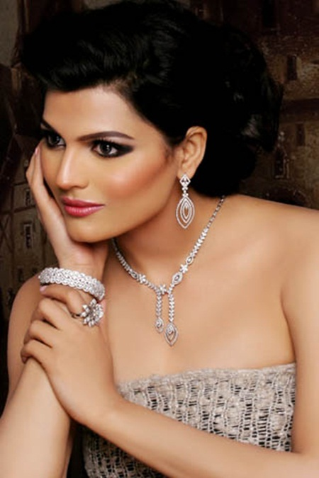 latest-jewelry-collection-by-sarwan-jewelers- (1)