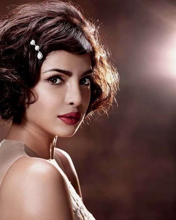 priyanka-chopra-photoshoot-for-hello-india-magazine-october-2015- (3)