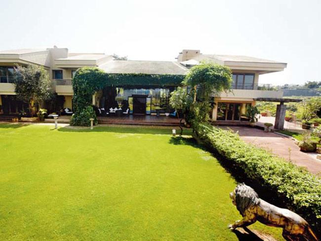 suneil-shettys-house-in-khandala- (6)