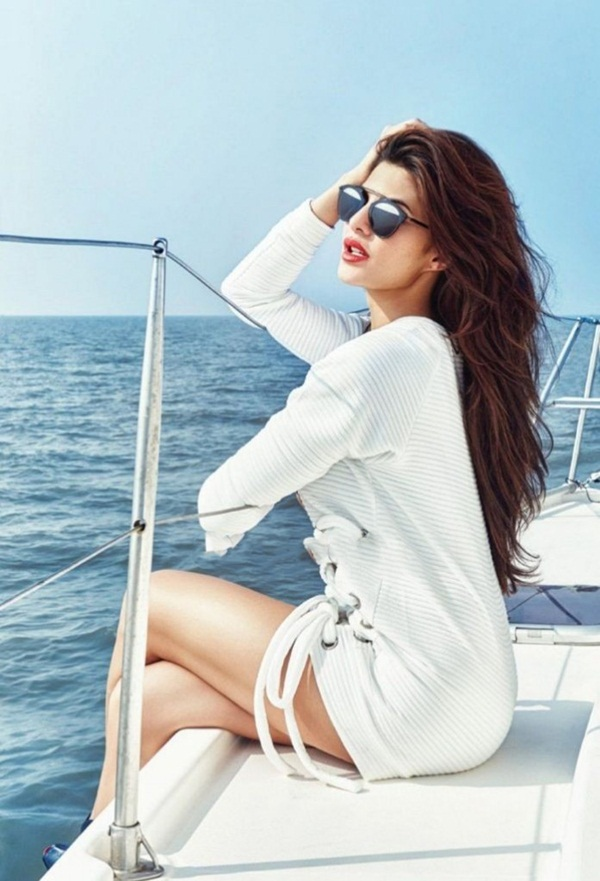 jacqueline-fernandez-photoshoot-for-filmfare-magazine-december-2015- (2)