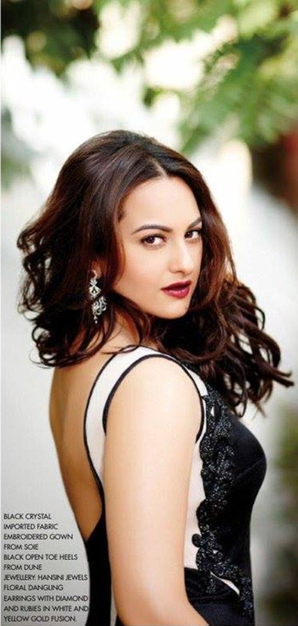 sonakshi-sinha-photoshoot-for-cine-blitz-december-2015- (6)