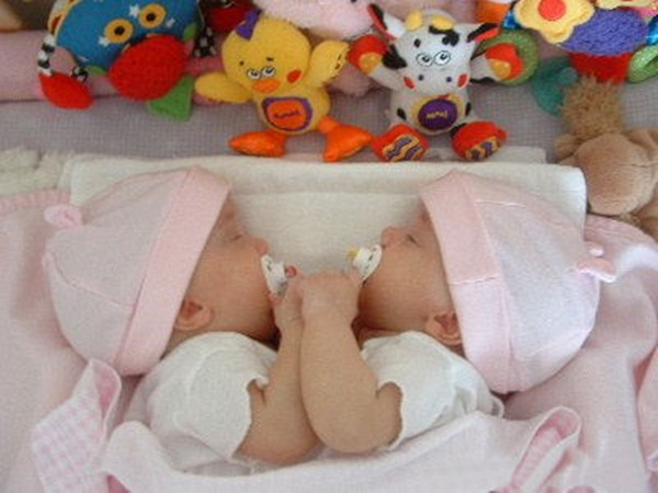 twin-baby-27-photos- (5)