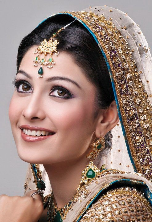 aiza-khan-bridal-photoshoot- (1)