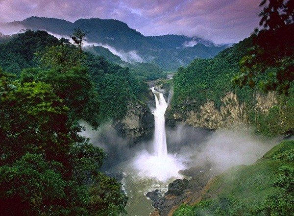 Beautiful Waterfall (14 Photos)