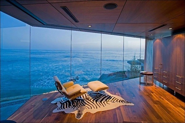 Hotel Rooms With an Incredible View (20 Photos)