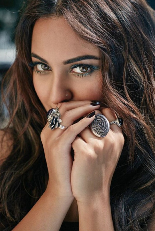 sonakshi-sinha-photoshoot-for-filmfare-magazine-february-2016- (4)