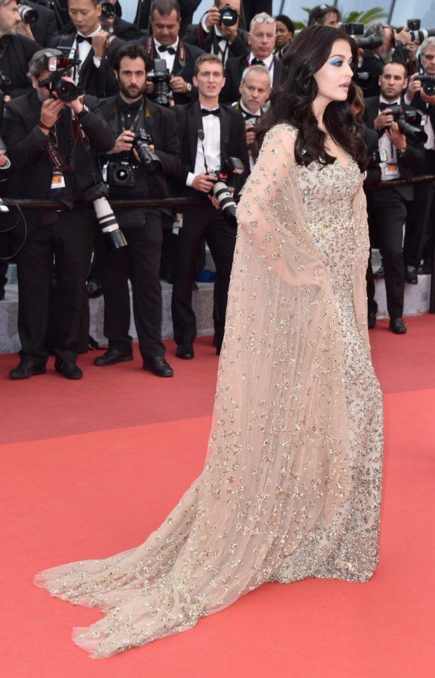 aishwarya-rai-in-cannes-2016- (10)