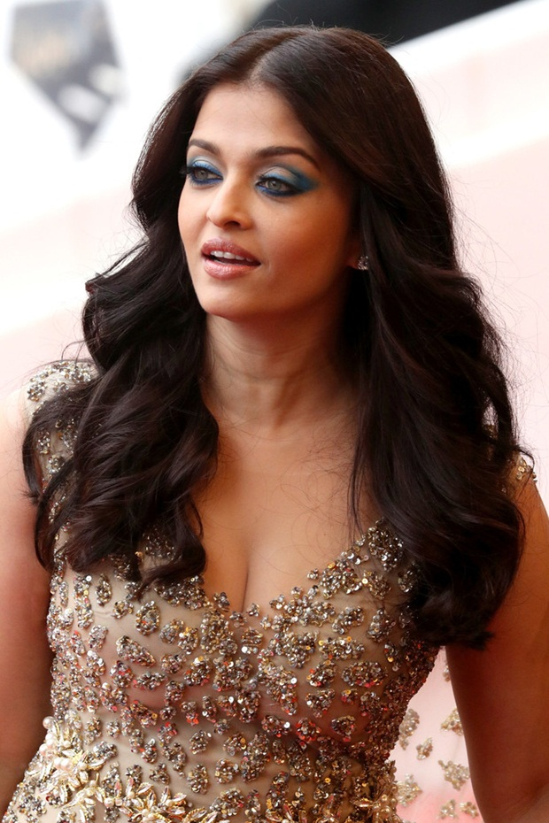 aishwarya-rai-in-cannes-2016- (13)