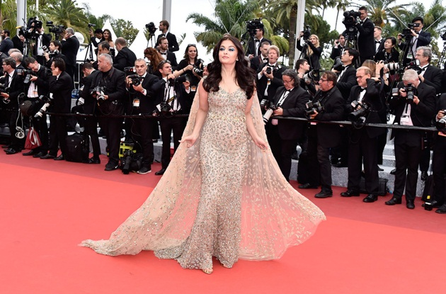 aishwarya-rai-in-cannes-2016- (2)