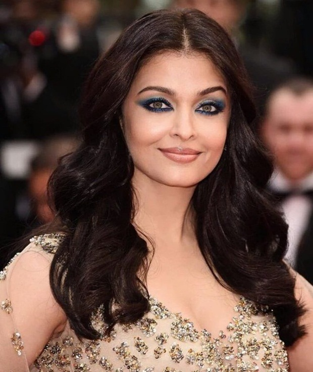 aishwarya-rai-in-cannes-2016- (22)
