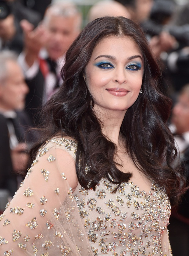 aishwarya-rai-in-cannes-2016- (27)