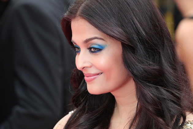aishwarya-rai-in-cannes-2016- (6)