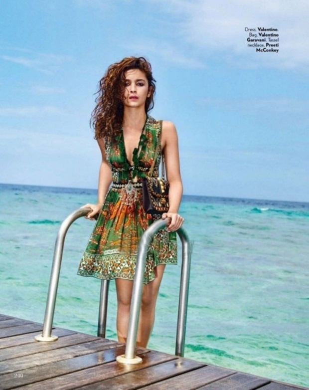 alia-bhatt-and-sidhrath-malhotra-photoshoot-for-vogue-magazine-march-2016- (6)