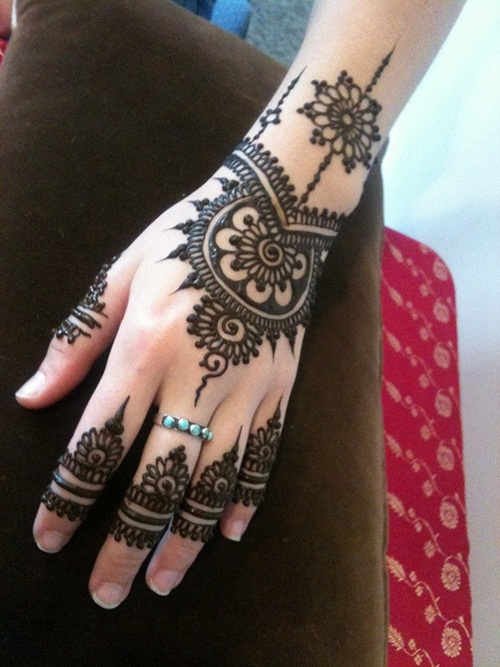 beautiful-mehndi-designs-for-fingers- (34)